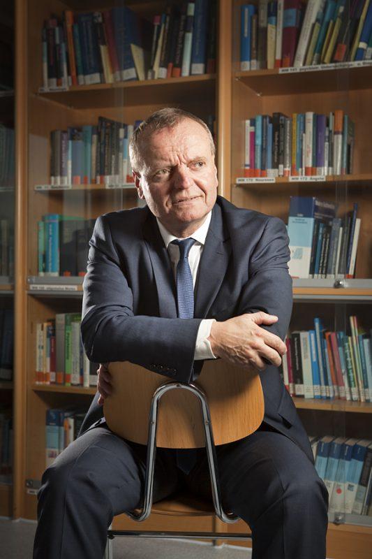 Prof. Dr. med. Dr. phil. Manfred Spitzer